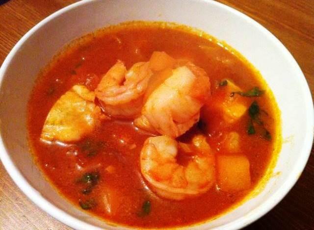 Caldos y sopas de pescado una exquisita sopa de pescados - Sopa de marisco y pescado ...